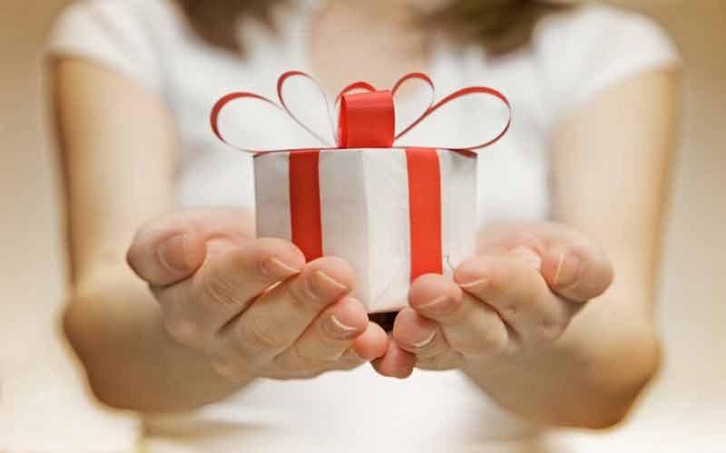 время дарить подарки что подарить главная