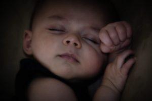 Как научить ребенка спать самостоятельно