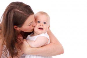 Как успокоить плачущего ребёнка быстро