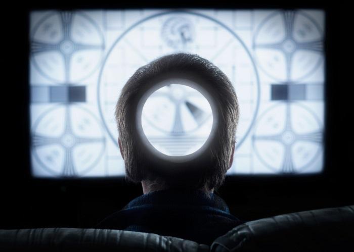 манипуляция мыслями и сознанием - воздействие через телевизор