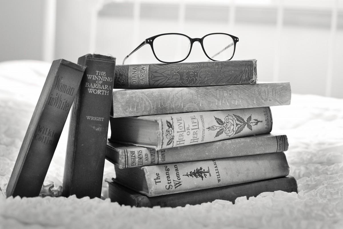 Чтение книз успокаивает и помогает расширить словарный запас